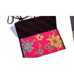 Pochette Batik avec cordon